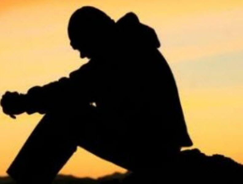 30 hình nền buồn tâm trạng cô đơn về tình yêu và cuộc sống