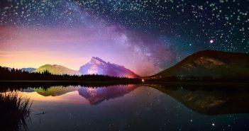 Hình nền ban đêm đẹp của bầu trời